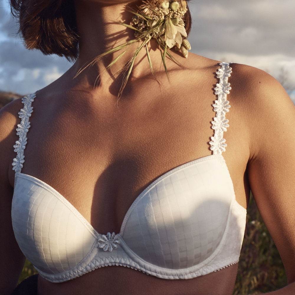marie-jo-canada-avero-lingerie-ka.jpg